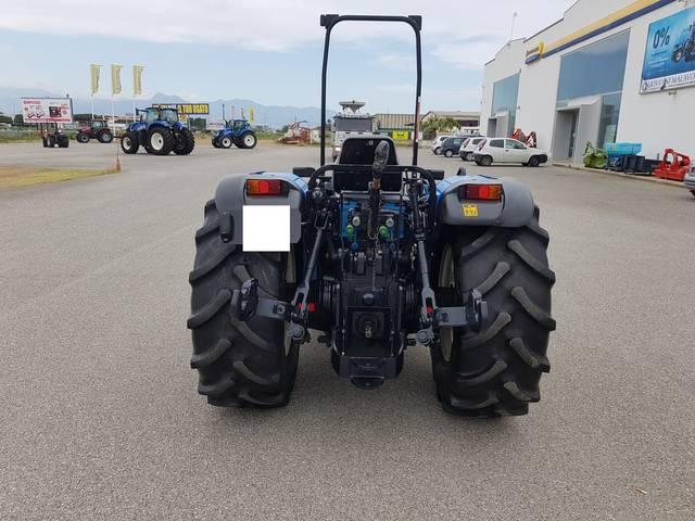 Distribuidores hidráulicos para tractores New Holland