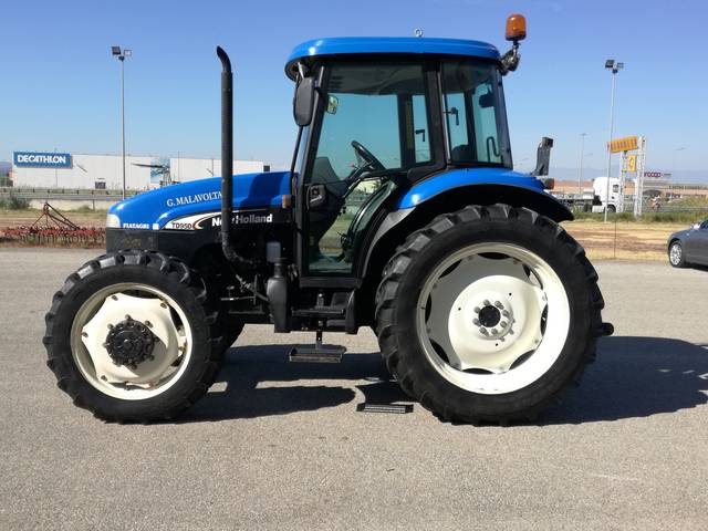 Picture of articleUsed tractor New Holland TD95D