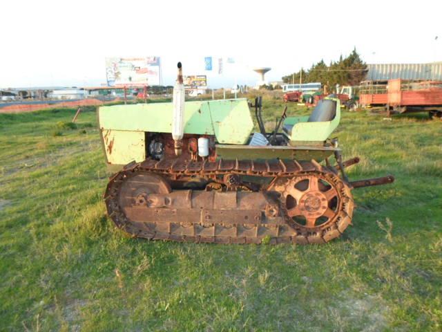 Tractor de orugas agrifull toselli en buen estado mecánico