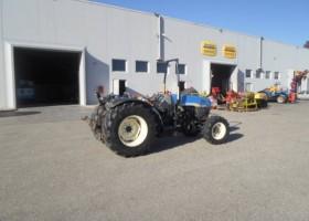 trattore new holland con asta destra idraulica