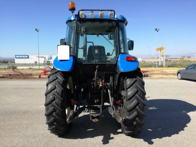 distributori idraulici trattore new holland