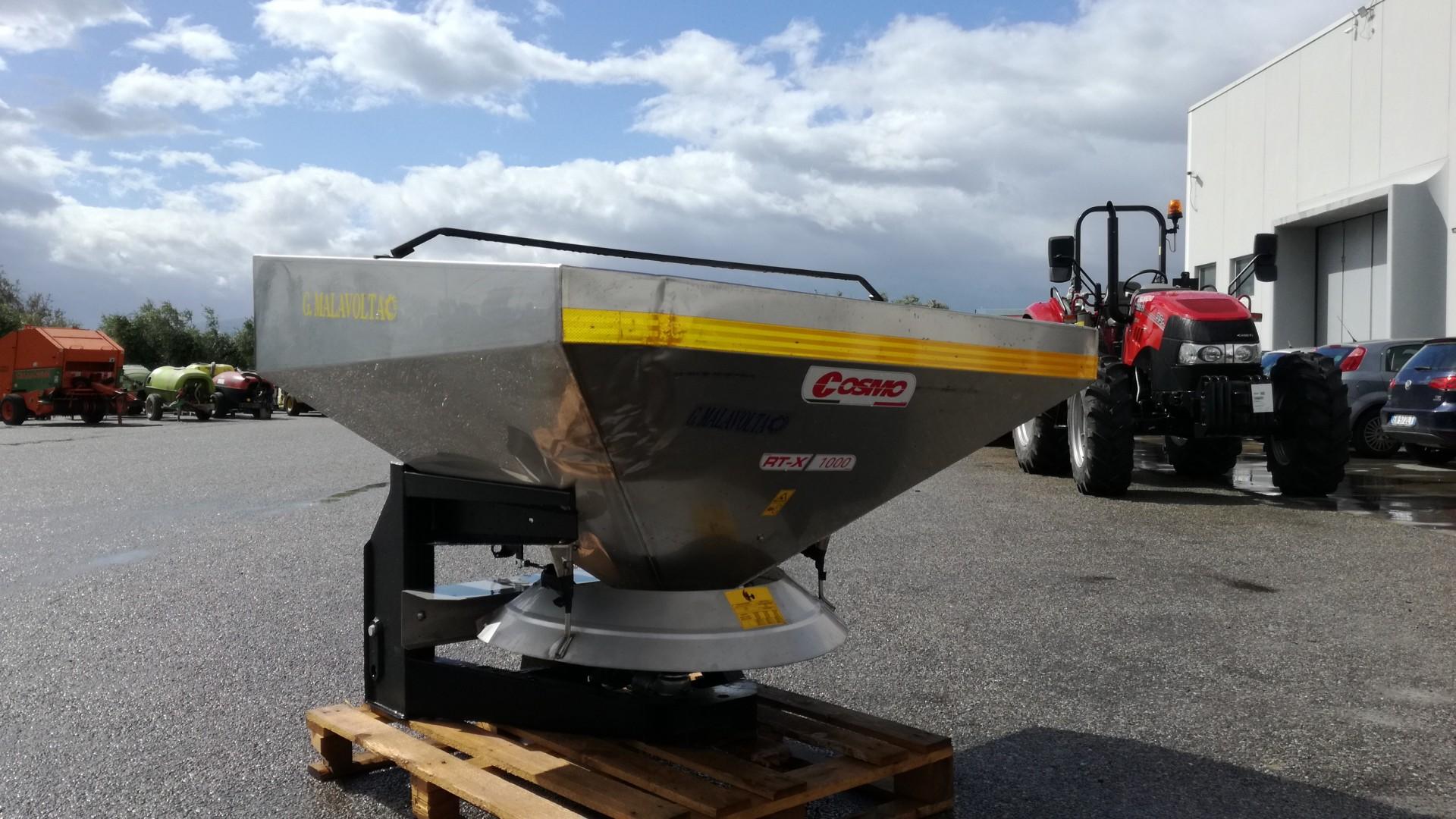 Spandiconcime Cosmo RTX 1000 profilo destro