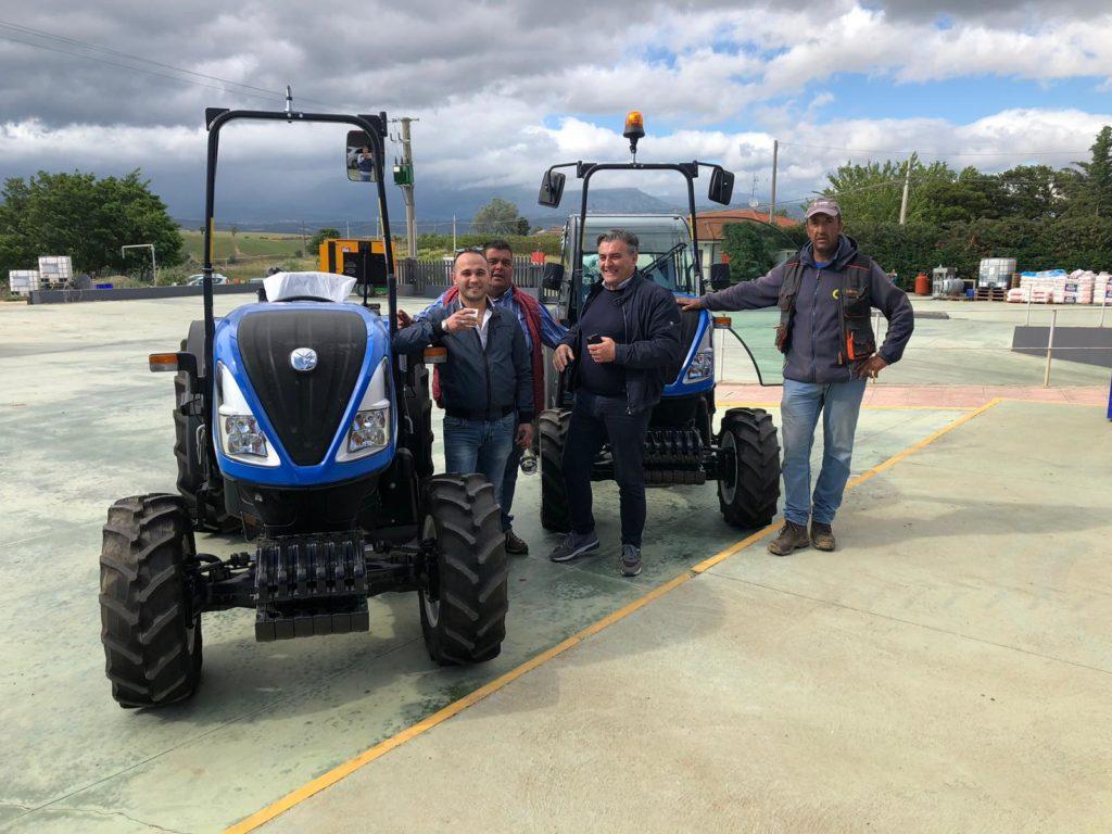 consegna trattori new holland a full società agricola