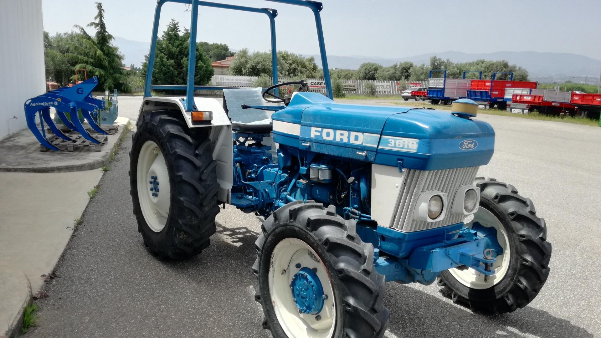 trattore usato ford 3610 visto dal lato frontale sinistro
