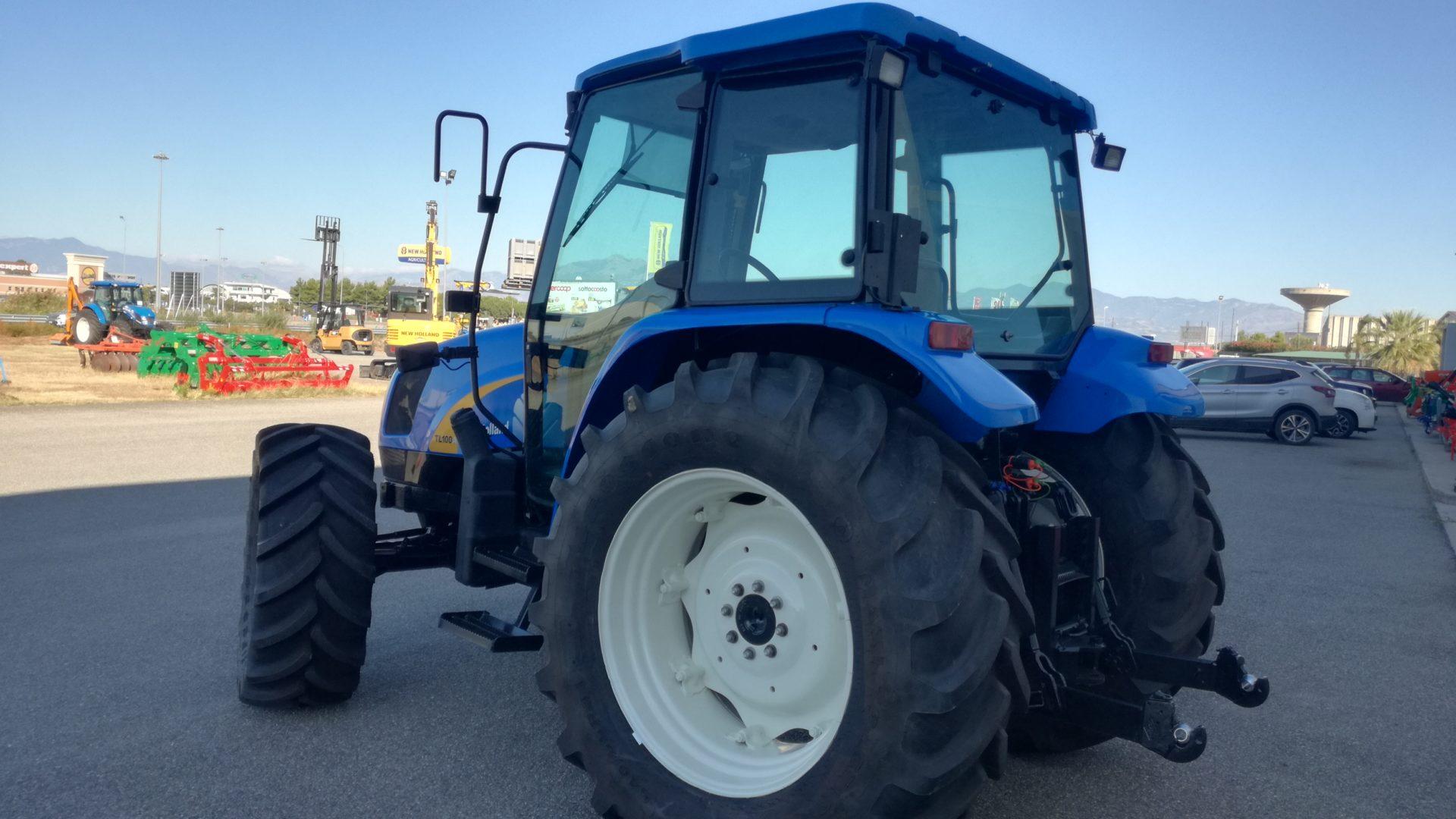 trattore usato new holland tl 100A profilo sinistro