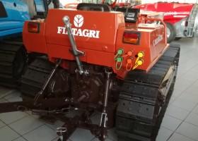 foto del retro del trattore cingolato usato fiat 665