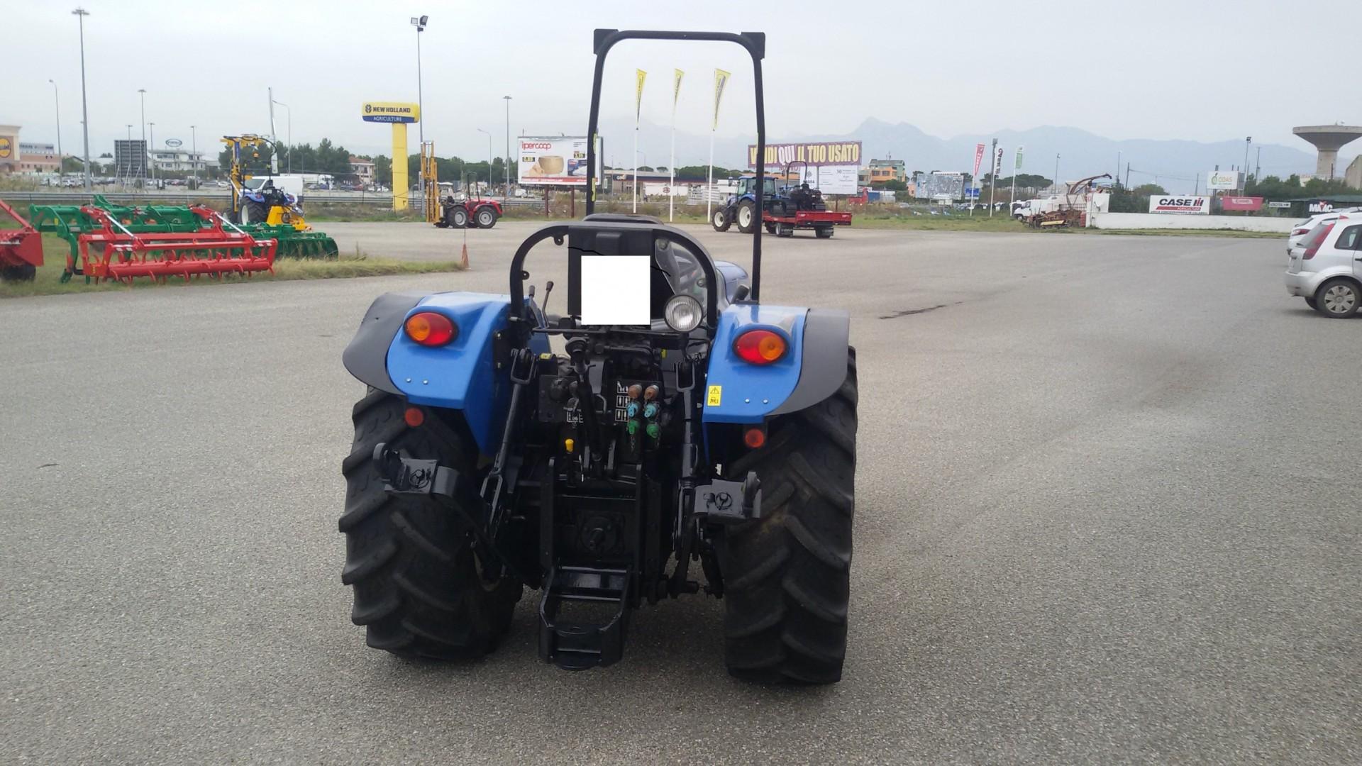 trattore usato new holland td 4040f vista posteriore