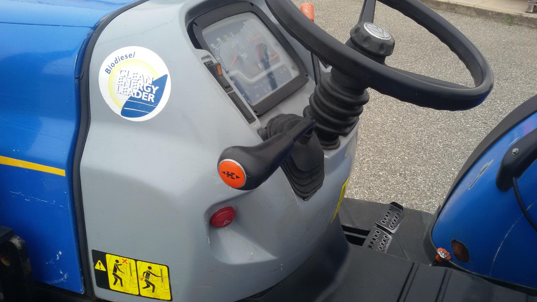 posto guida trattore usato new holland td 4040f