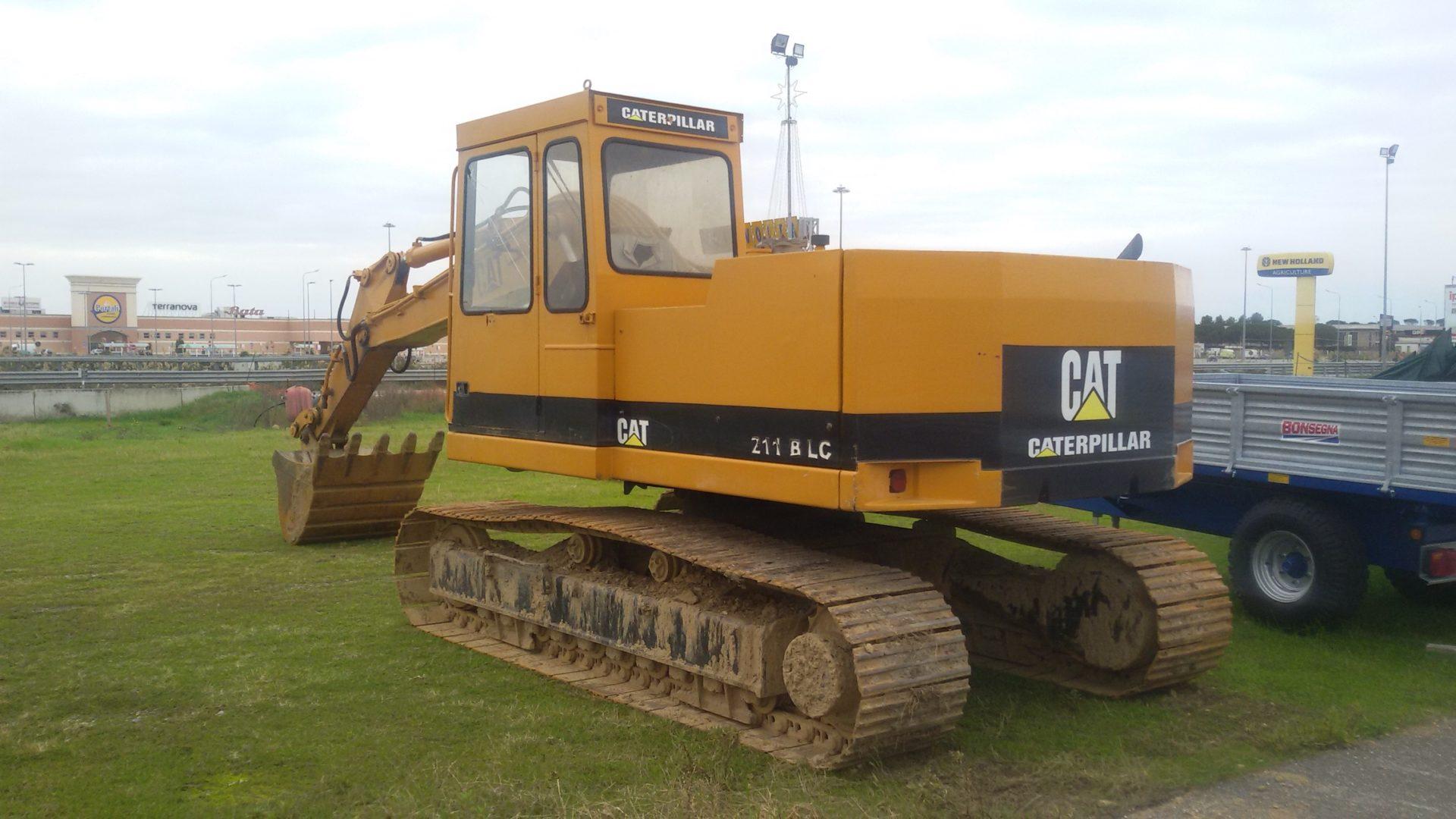 escavatore cingolato caterpillar 211 BLC