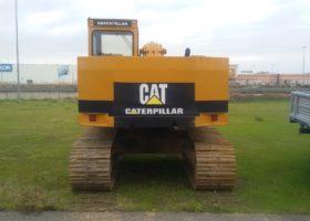vista posteriore escavatore usato caterpillar 211
