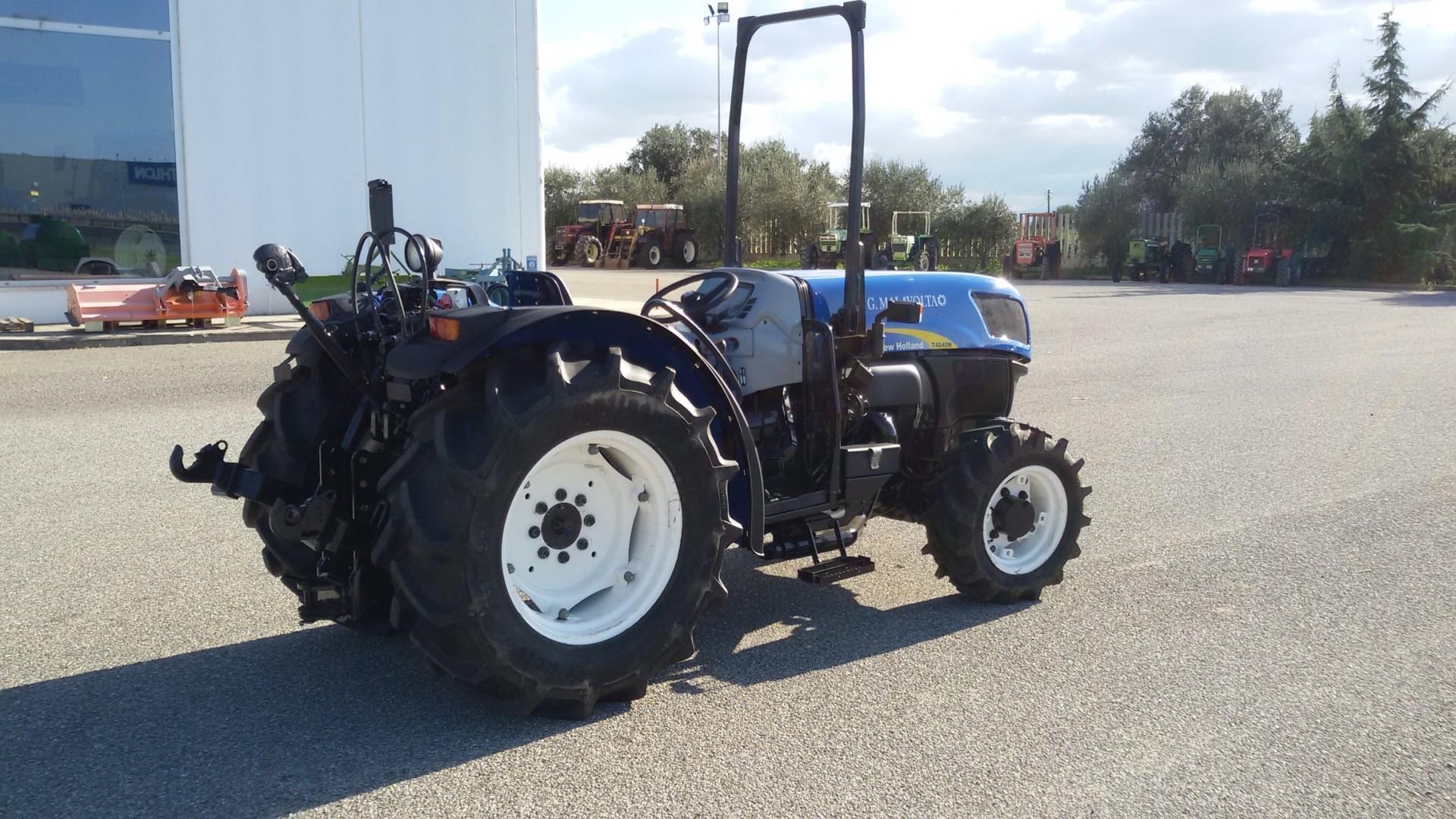 trattore usato new holland t4040n lato destro