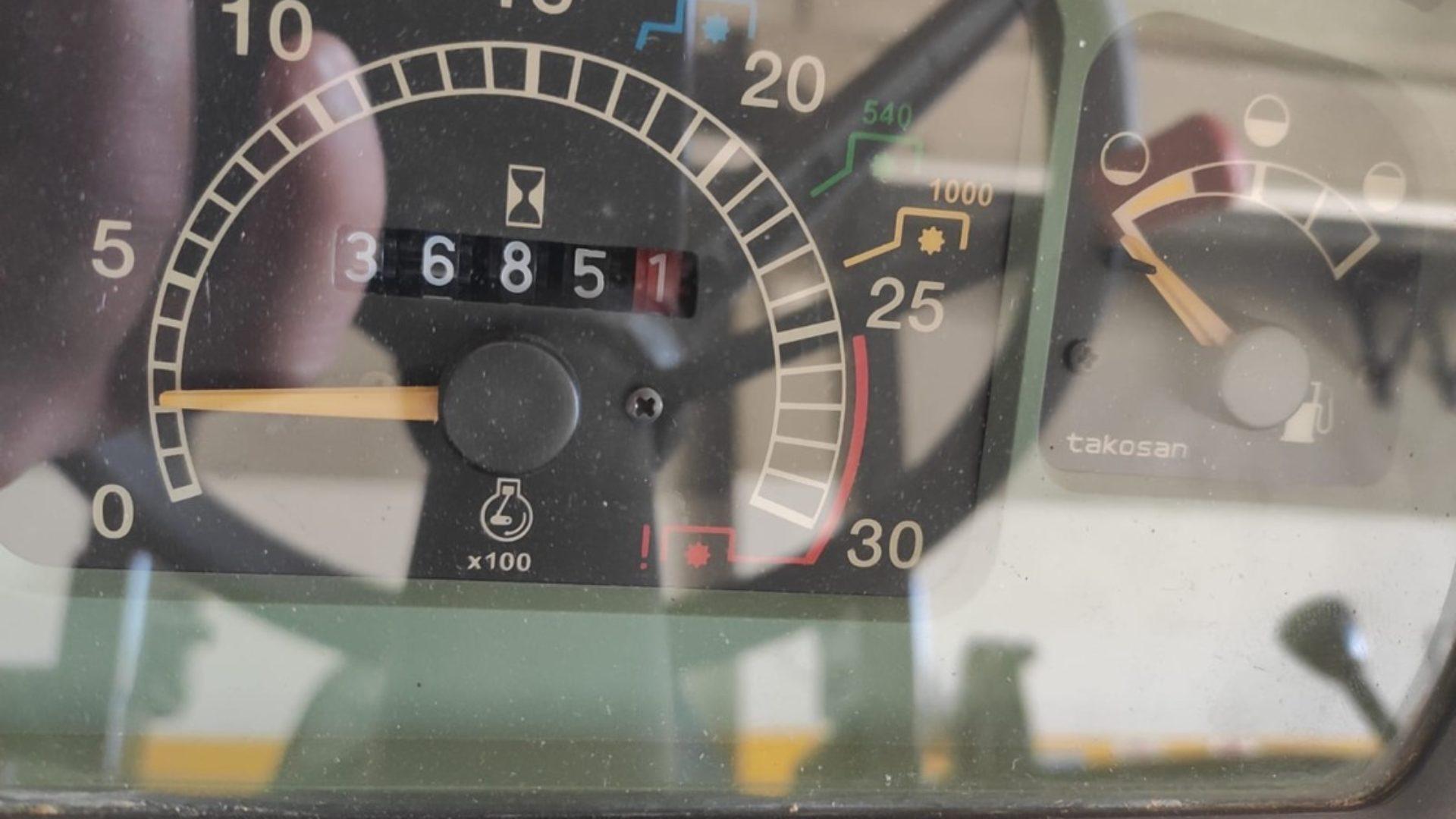 contaore del trattore usato case ih jx 95 maxxima