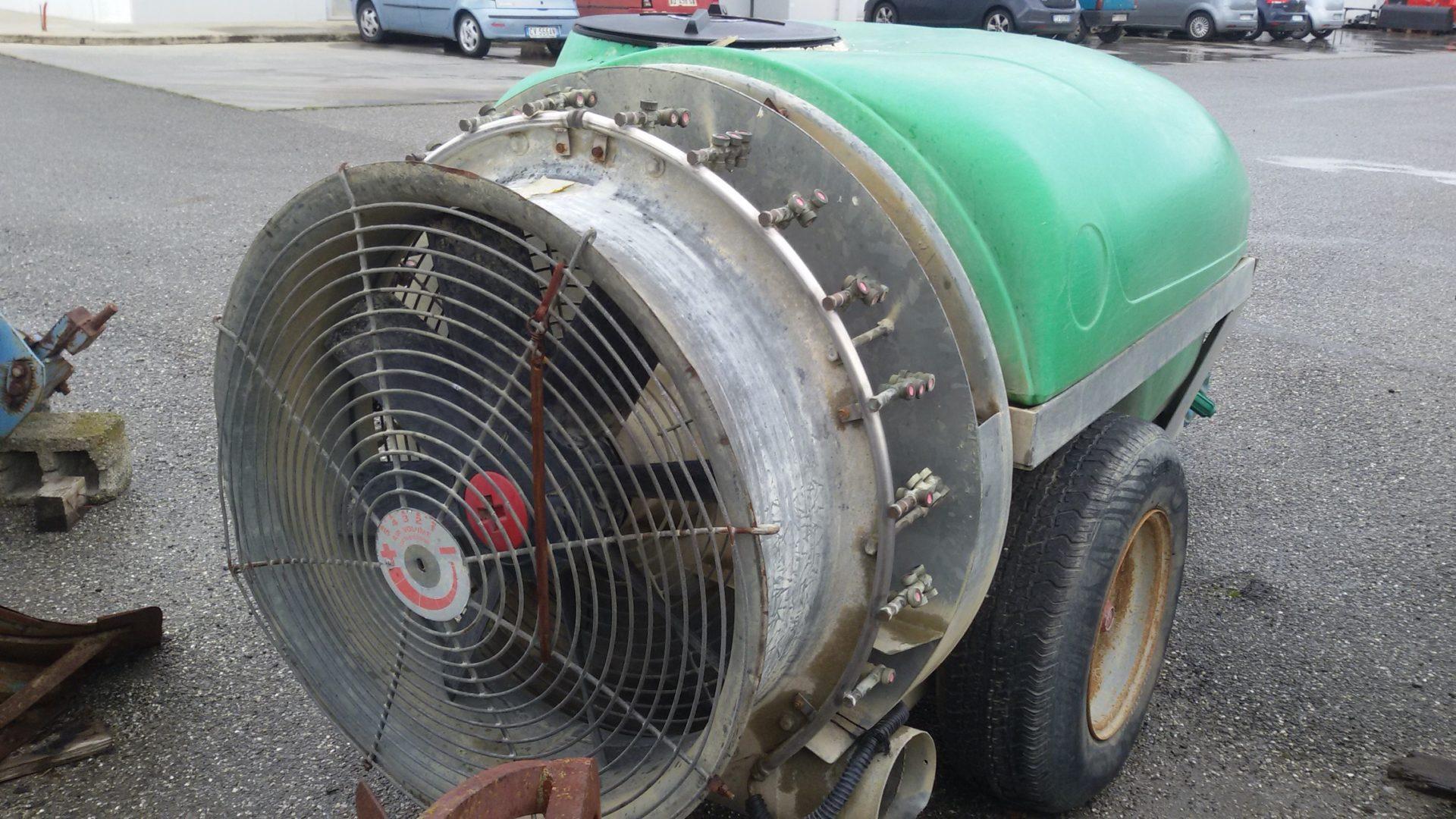 particolare Atomizzatore usato Tifone Storm 1000 verde
