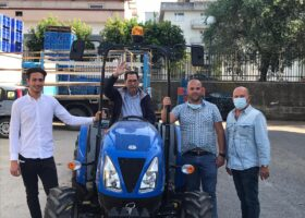 Immagine dell'articolo Consegna trattore New Holland e trincia Cosmo azienda Grillo