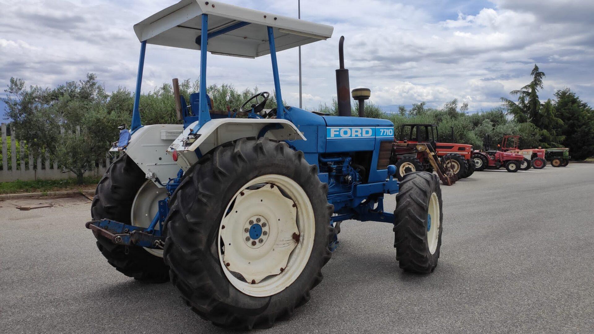 Trattore usato Ford 7710 profilo destro