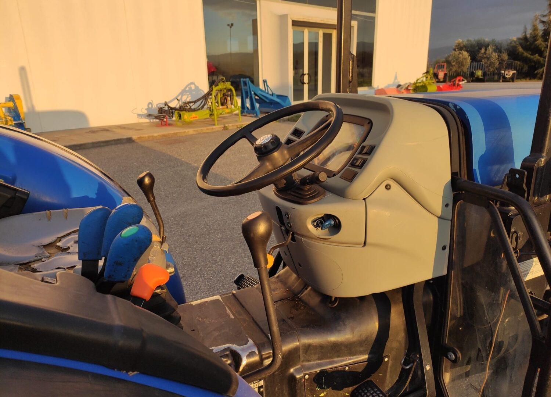 Posto guida Trattore usato New Holland T4050 F