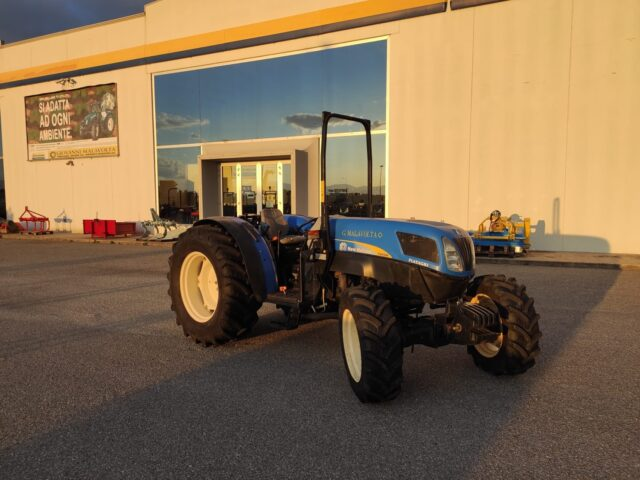 Imagen del artículoTrattore usato New Holland T4050 F
