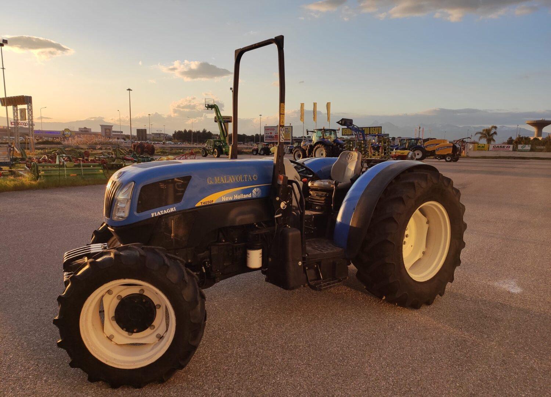 Trattore usato New Holland T4050 F a Corigliano-Rossano