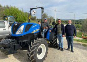 Immagine dell'articolo Consegna trattore New Holland e fresa Celli azienda agricola Taranto