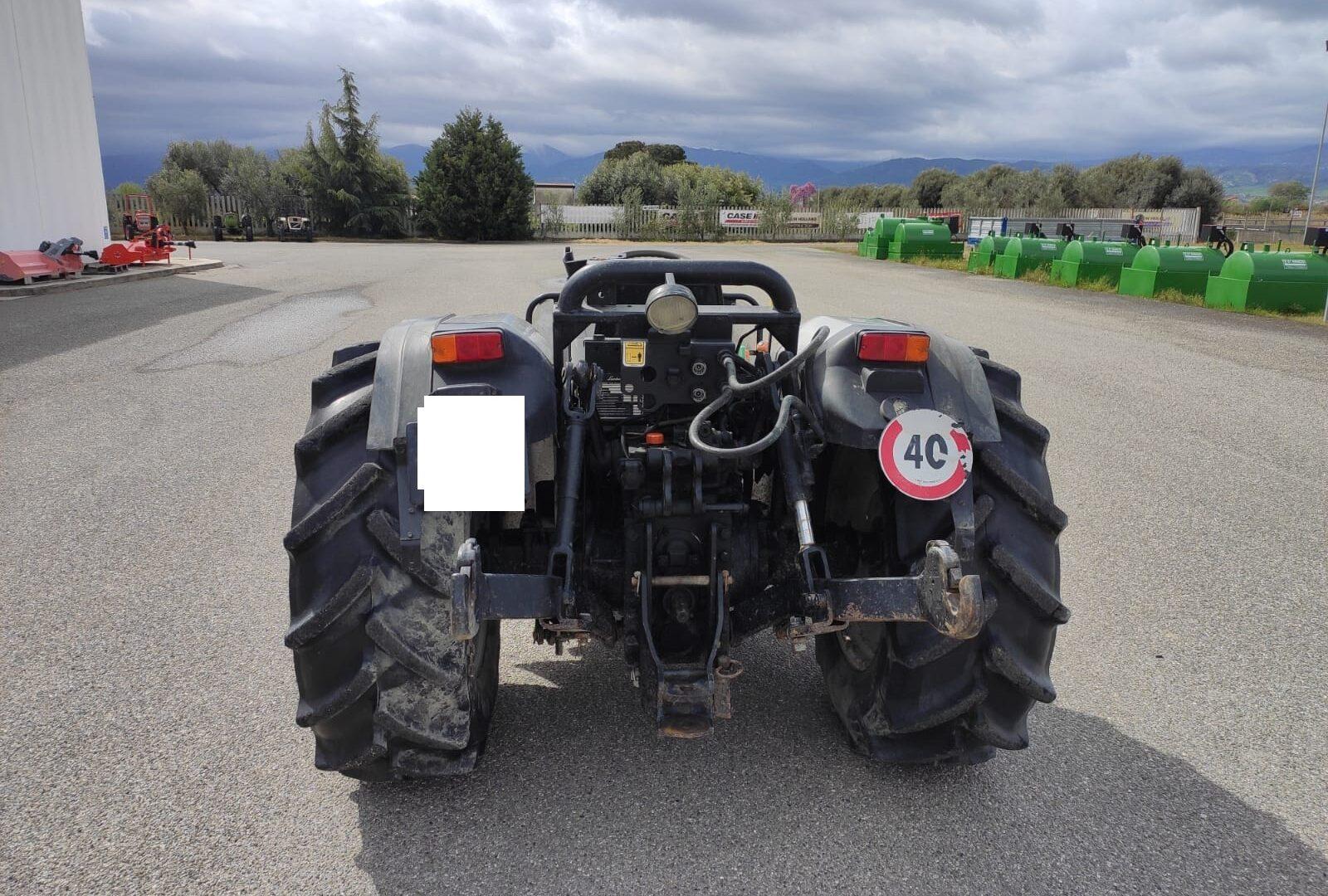 Vista posteriore del Trattore usato Lamborghini RF 90 Target